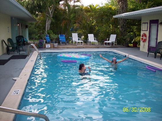 صنشاين آيلاند إن: great pool area