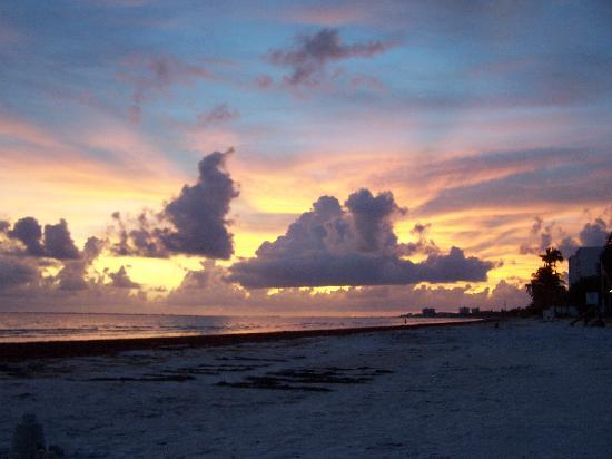 Smuggler's Cove Condo : sunset