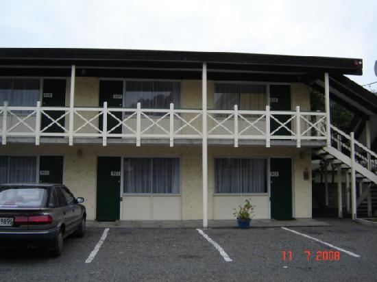 Kingsgate Hotel The Avenue Wanganui: Outside Rooms