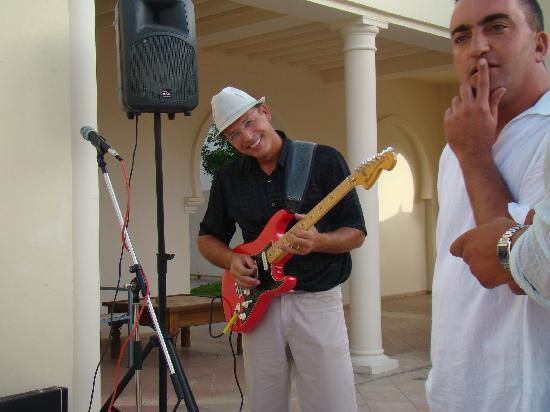 Seabel Alhambra Beach Golf & Spa: musiciens 'live' à l'apéro du soir