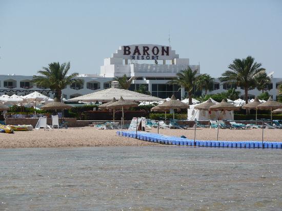 Baron Resort Sharm El Sheikh: spiaggia e passerella per la barriera