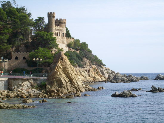 Lloret de Mar, İspanya: Castle on the beach