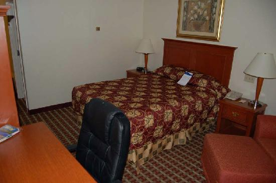 Baymont Inn & Suites West Lebanon: Picture Of Room