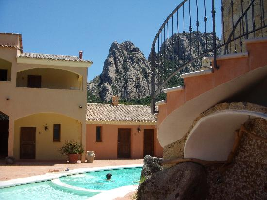 Hotel San Pantaleo backdrop