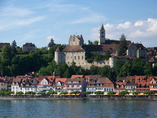 Meersburg (Bodensee), Tyskland: View of Meersburg arriving by boat from Constanz