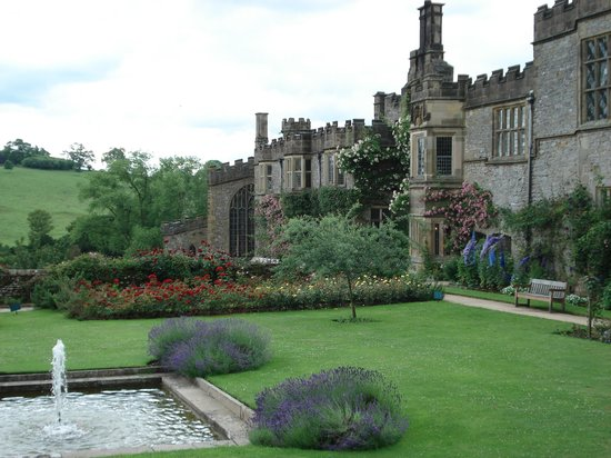 Бэйквэлл, UK: Haddon Hall gardens