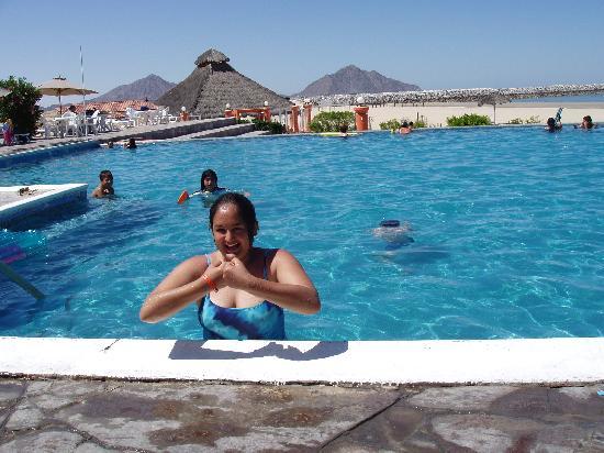 San Felipe Marina Resort & Spa: Fun at the outdoor pool