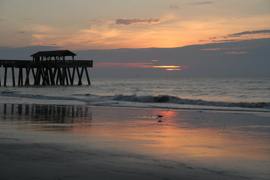 Isla de Tybee, GA: South Beach Sunrise - Pier - July 6