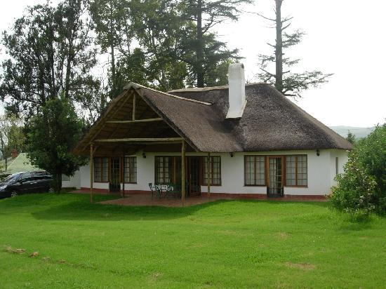 Winterton, Sudáfrica: Spacious comfy cottage for four with views of Drakensberg