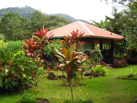 Boquete Garden Inn: riverside gazebo