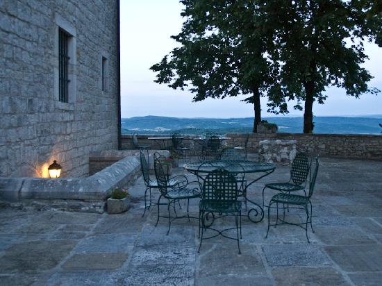 Chateau Andelot: Terrace