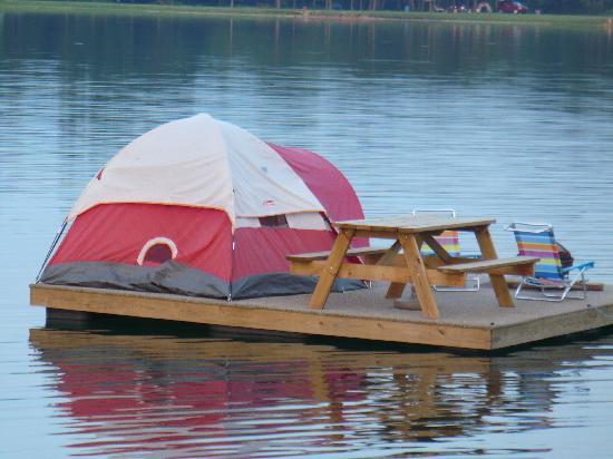 Wallace, NC: The floating tent platform