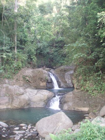 Quepos, Kostarika: Two waterfall
