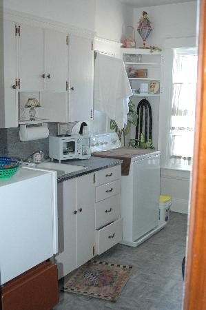 Feallock House: Shared kitchenette
