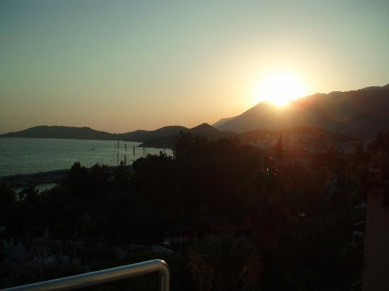 Linda Beach Hotel: Sun Set