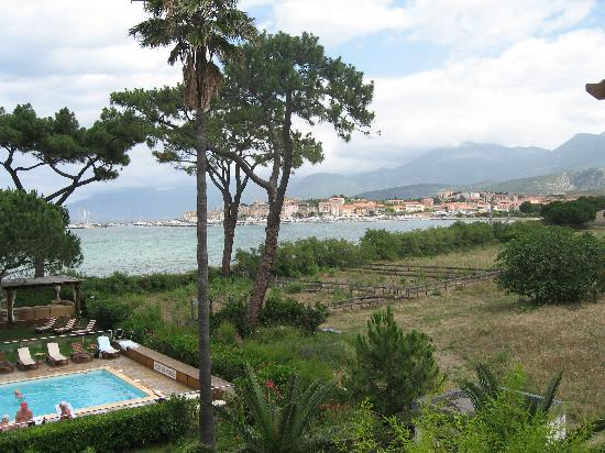 La Roya : Pool and view of St Florent
