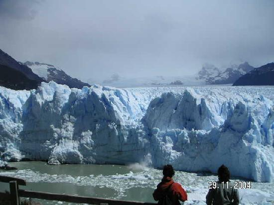 Northern Argentina, Arjantin: A living glacier Puerto Moreno
