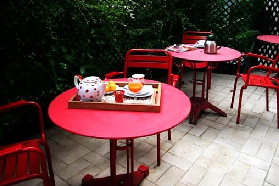 La Villa Paris: Bed-and-Breakfast-in-Paris-Terrasse-La-Villa-Paris