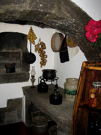 Restaurante Caneta: Old Portuguese Kitchen Display