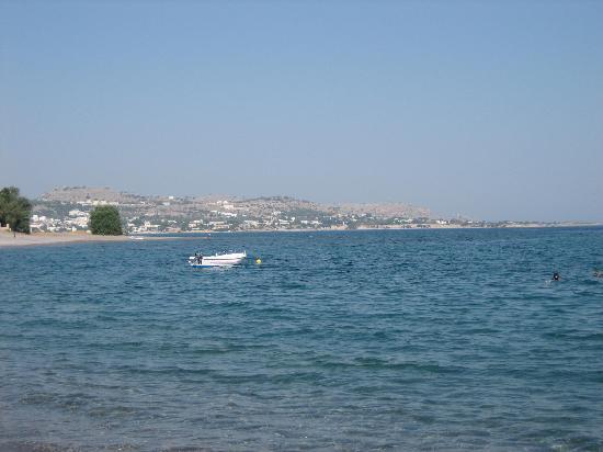 El Vita Apartments: view from beach to Pefkos