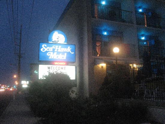 Sea Hawk Motel: view from street