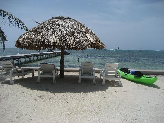 Cocotal Inn & Cabanas: Beachfront at Resort