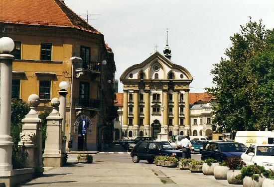 Slovenië: Ljubljana, Ursuline Church