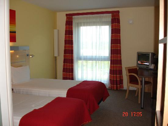 Holiday Inn Express Hamilton: Room 323