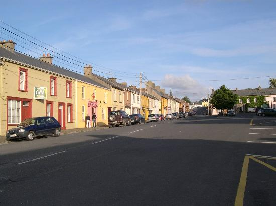 O'Driscoll's Bed & Breakfast: Glin main street
