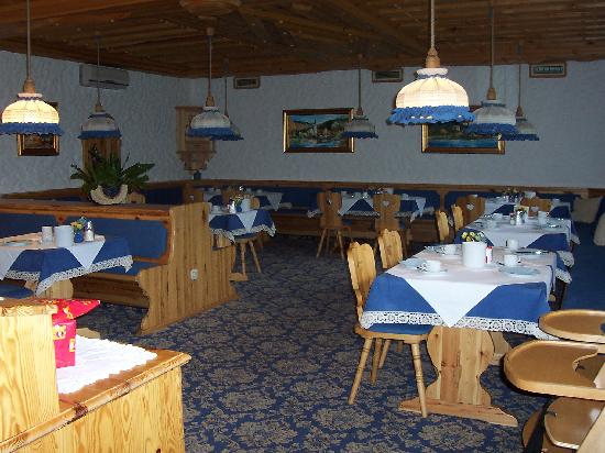 "Garni Hotel ""Berc"": Breakfast room"