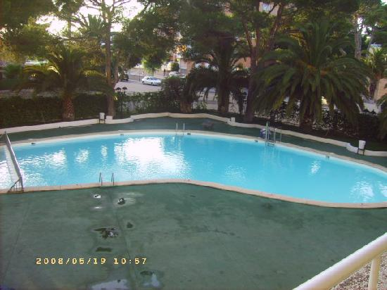 Apartamentos: The pool