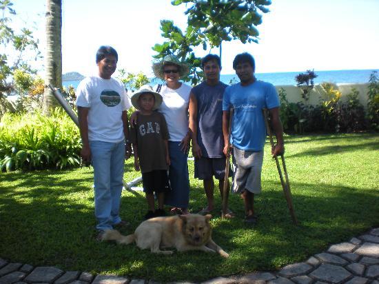 Dona Marta Boutique Hotel : it's me, eljh & staff (Roland, Ray, Freddy & Buchoy (dog)