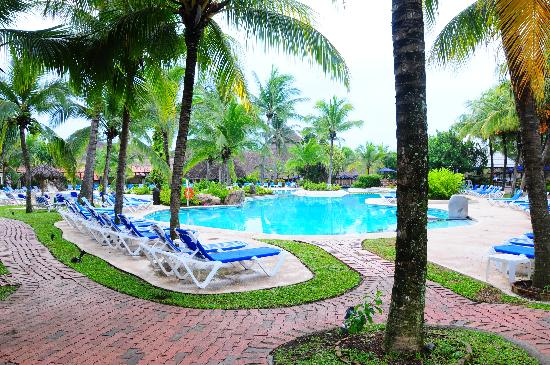 Doubletree Resort by Hilton, Central Pacific - Costa Rica : an overview of one of the pools