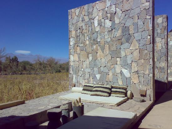 Tierra Atacama Hotel & Spa: terrace with wood burning fires