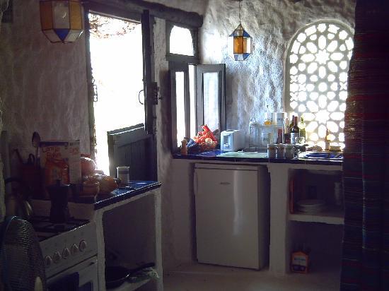 La Casa del Viento: the kitchen area in La Rosa