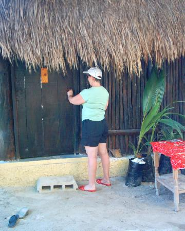 Cabanas Playa Condesa: Individual locks for all cabanas