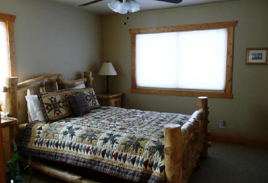 Pikes Peak Resort: Lower level bedroom