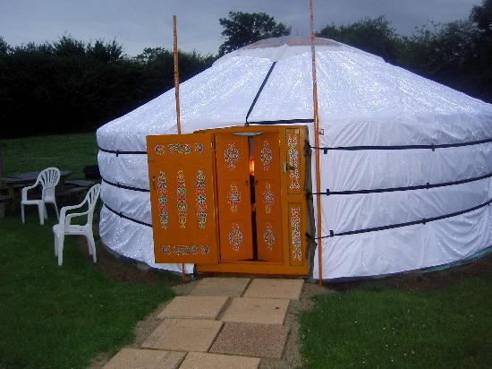 Cerza Safari Lodge : La yourte de nuit