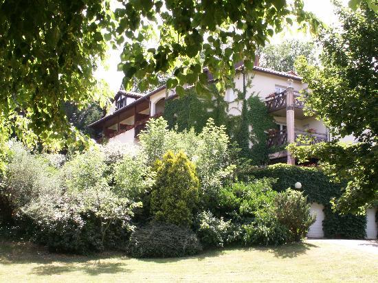 Les Trois Soleils de Montal: From the front garden