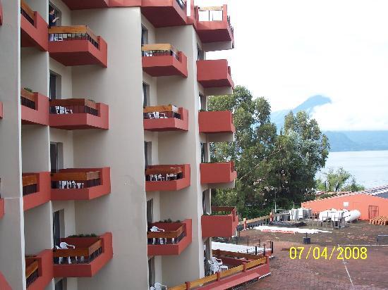 Porta Hotel Del Lago: Vista de las habitaciones. Balcones
