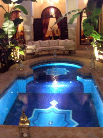 Riad Nabila: piscine