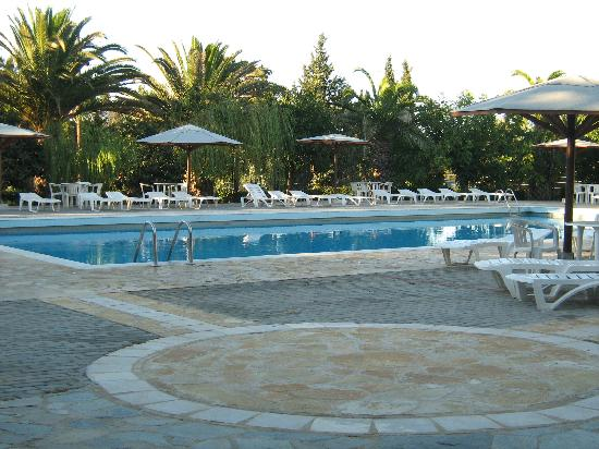Art Hotel Debono: THE POOL AT DEBONO
