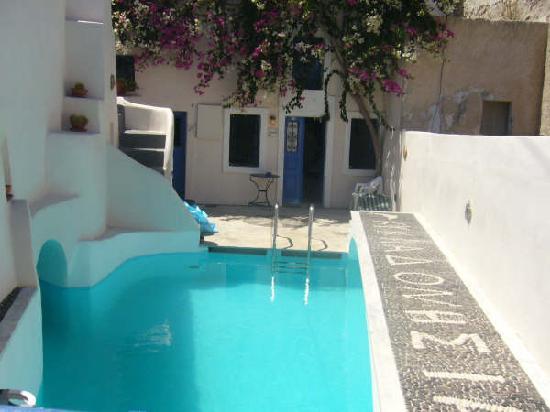 Kykladonisia Hotel and Hostel: Auberge Santo2