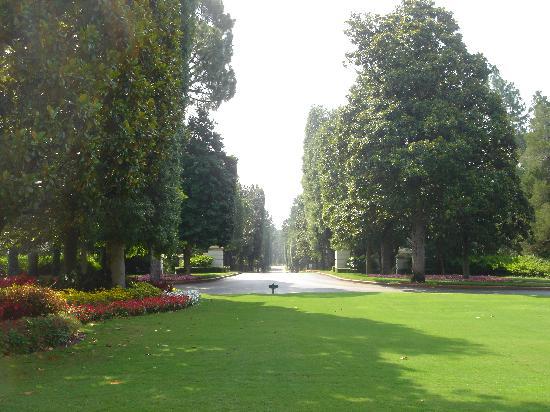 The Carolina Hotel - Pinehurst Resort: Main entrance to The Carolina