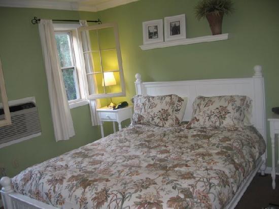 Carmel Cove Inn at Deep Creek Lake: Bedroom #6