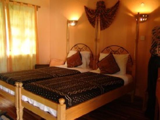 Afrikiko River Front Resort: bed rooms