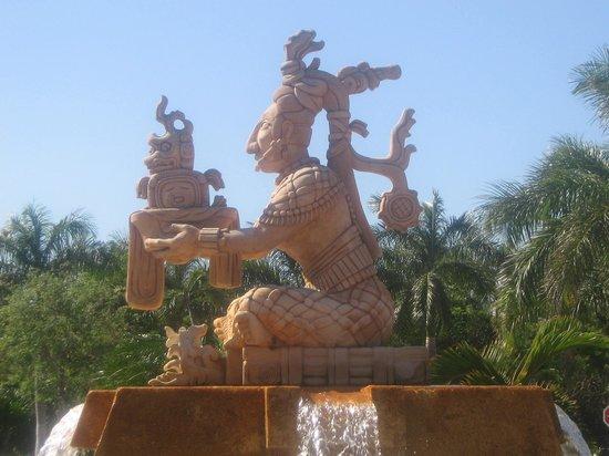 Barcelo Maya Beach: monumenti del barcelo