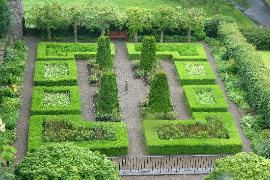 Knappogue Castle Formal Garden