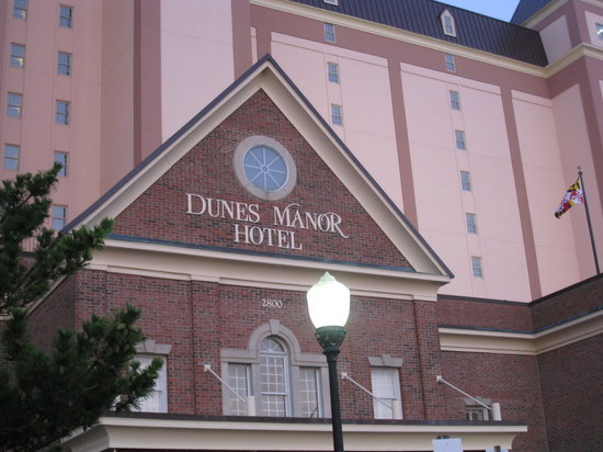 ‪‪Dunes Manor Hotel & Suites‬: Front of Dunes Manor‬