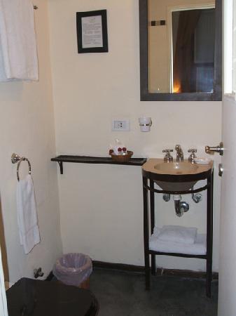 A Hotel  Art Gallery: bathroom